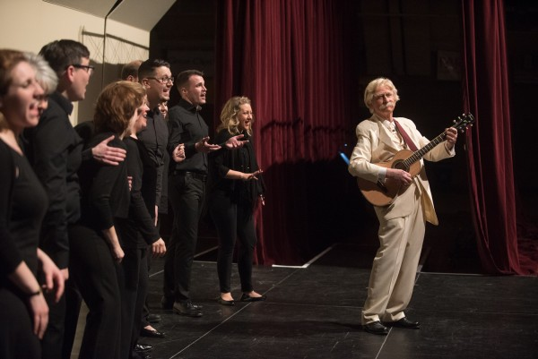Don Shelby as Mark Twain with the VocalEssence Ensemble Singers